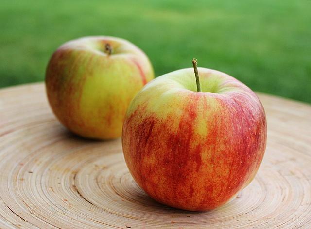 W zdrowym ciele: Dieta owocowa – hit czy kit?