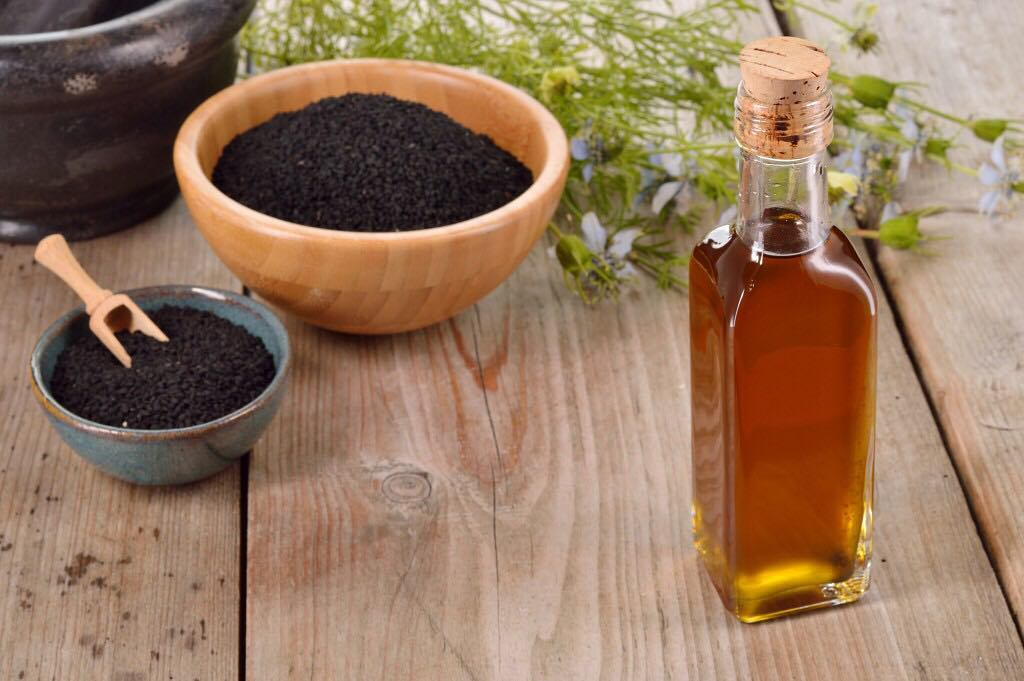 Co ważnego zawiera olej z czarnuszki?
